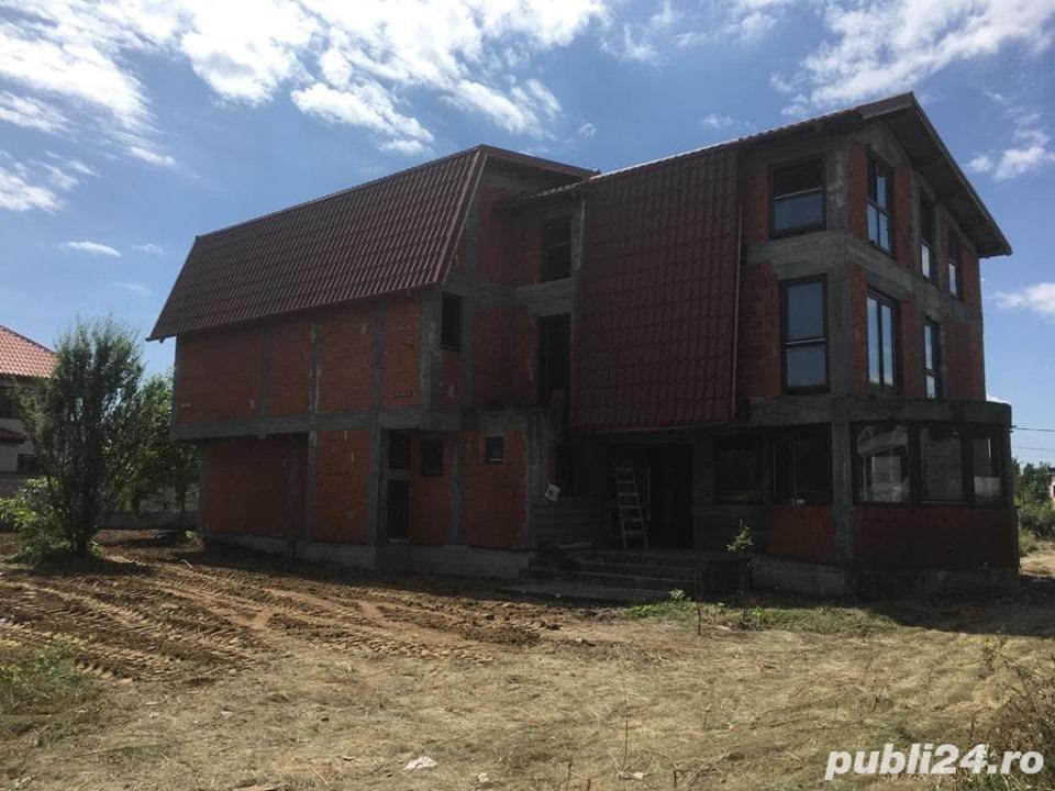 Vila de vanzare cu 5 apartamente in zona Pipera,-TEREN 985 mp- Plata in 8 luni, cu un avans inainte.