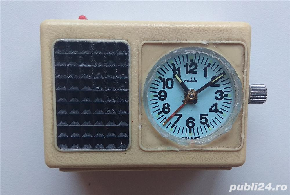 Ceas mecanic Ruhla de voiaj cu sonerie vechi de colectie Made in GDR, piese ceas