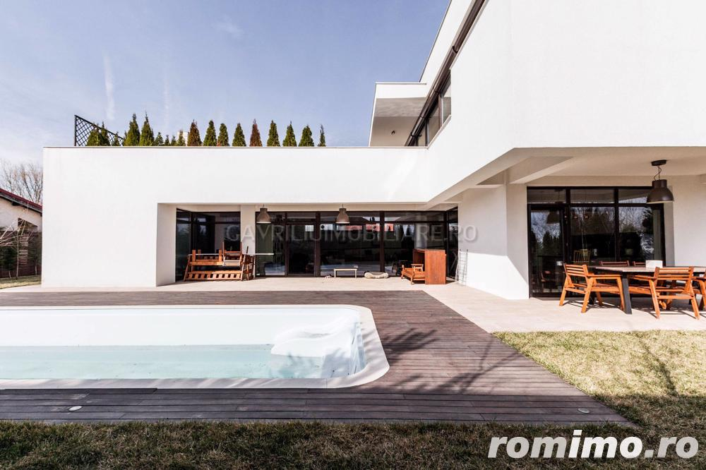 Vanzare vila Premium - individuala, piscina, lac - Corbeanca!
