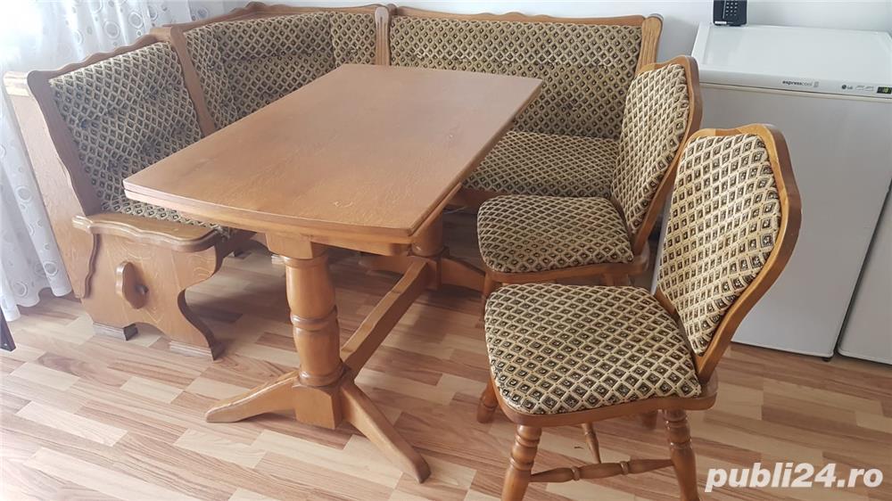 Colțar  bucătărie cu masa  extensibila și 2 scaune din masiv, stejar.