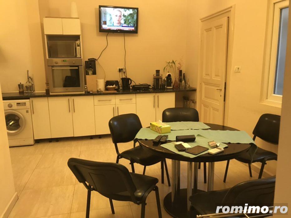 AF018 Apartament cu 4 camere, renovat, P.ta Unirii