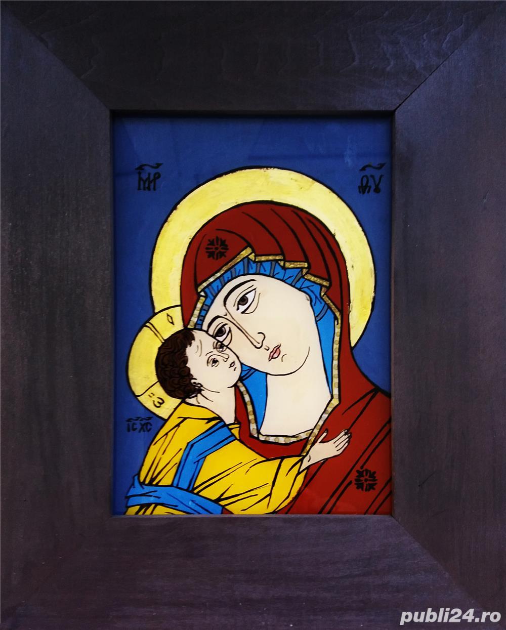 Icoane pe sticlă - Maica Domnului cu pruncul