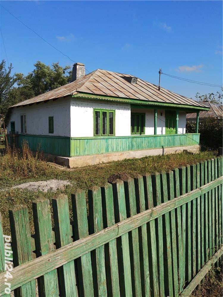 Casa cu teren Martinesti locuibila  cu 40 arii terenin curte