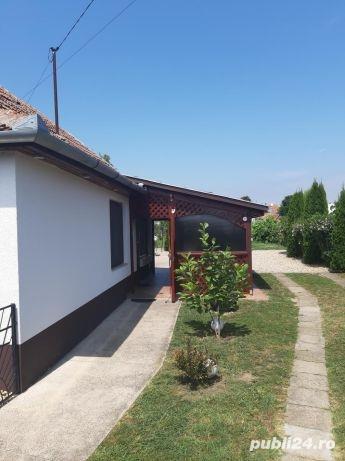 Vind casă in ungaria la 10 km de vama Bors