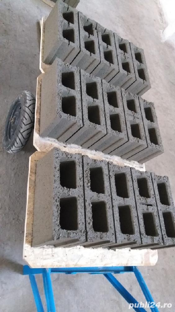 Vand boltari de beton