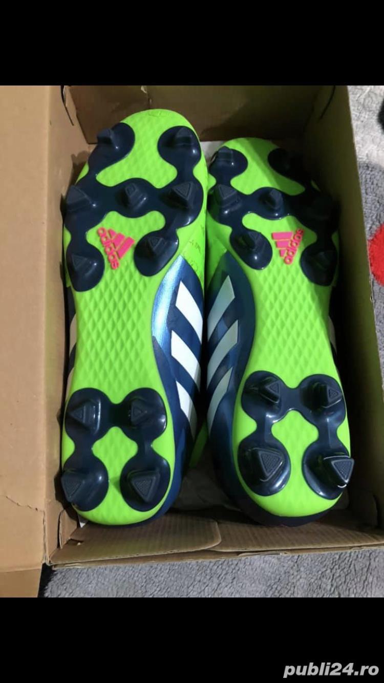 Adidasi / Crampoane de fotbal