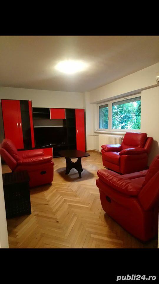 Apartament 3 camere Modern, Decomandat, Parc Floreasca - Metrou Aurel Vlaicu, bloc stradal