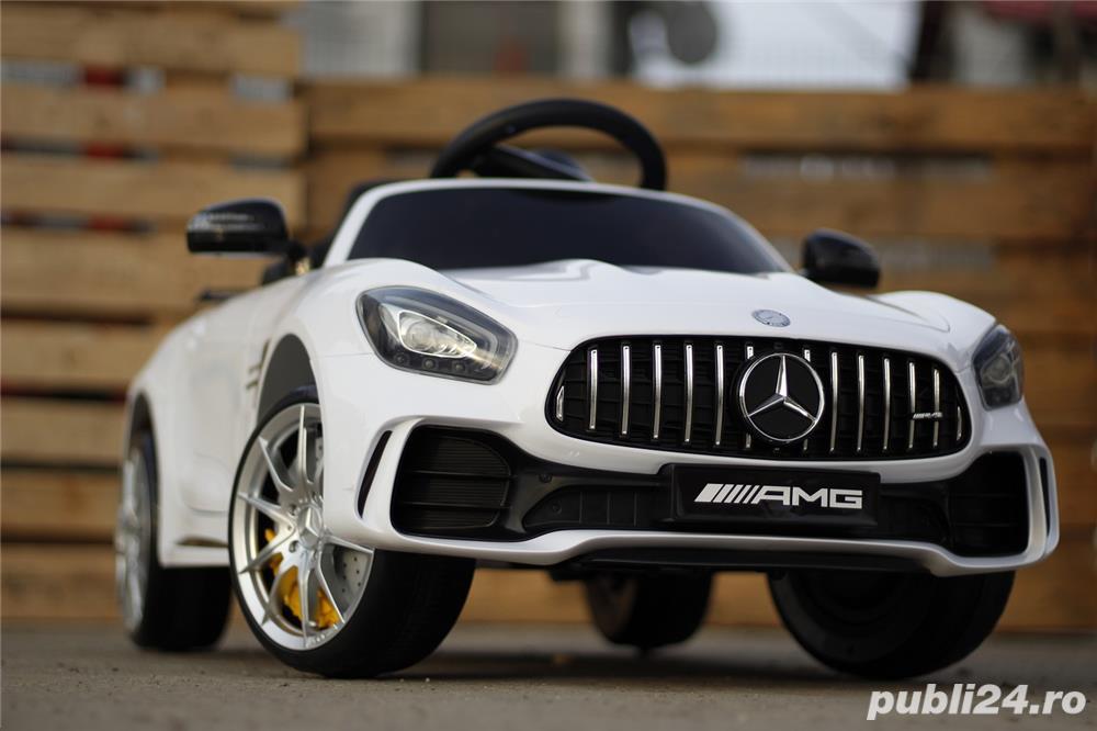 Masinuta electrica pentru copii Mercedes GT-R Alb Nou