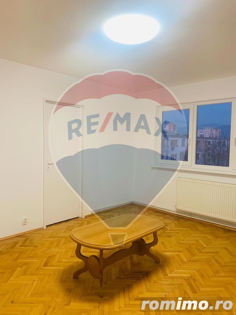 Apartament 2 camere super preț