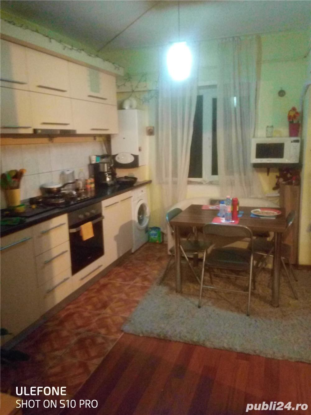 Vând apartament 3 C,Dec. 68 m2 la 52900 merita vazut in Mircea cel bătrân