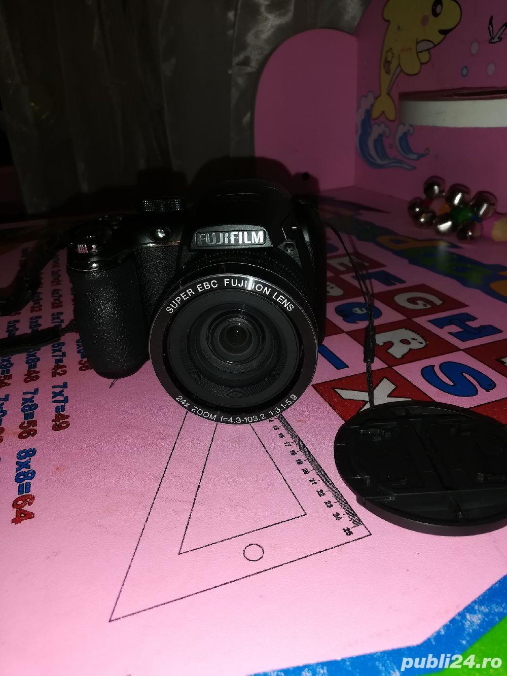 Fujifilm S4200 + accesorii