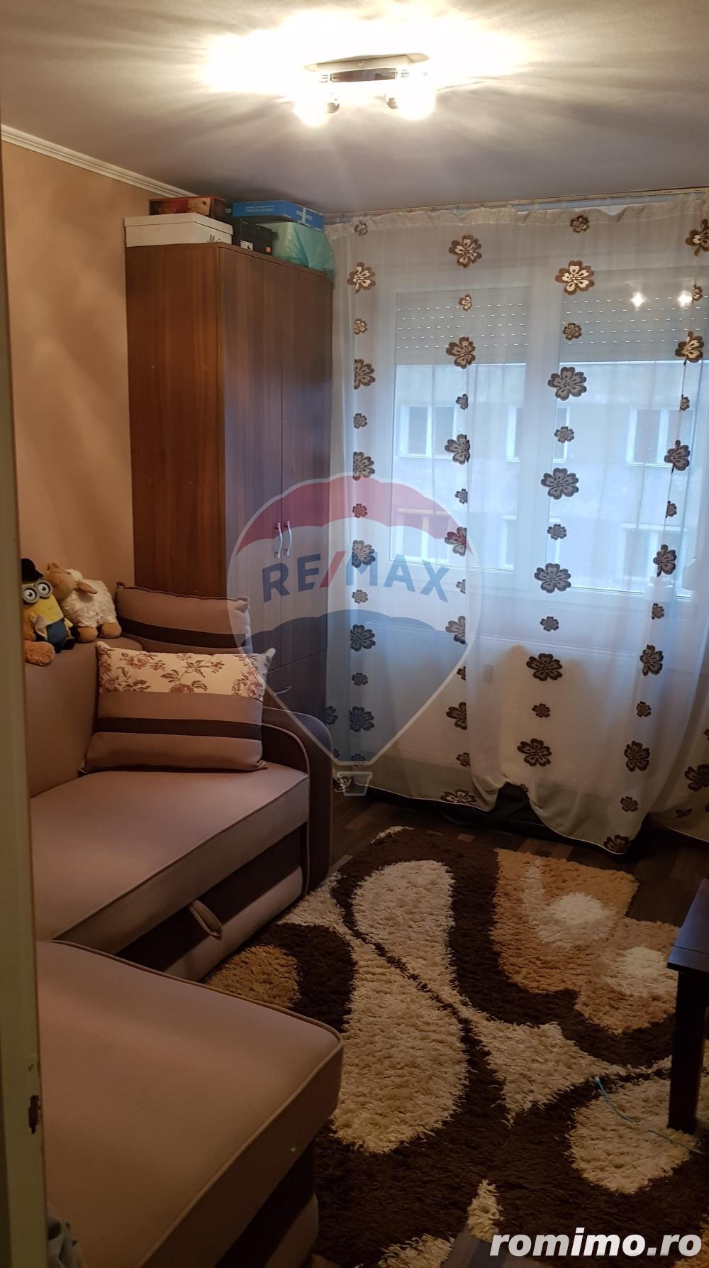 Apartament cu 2 camere de vânzare în zona Velenta