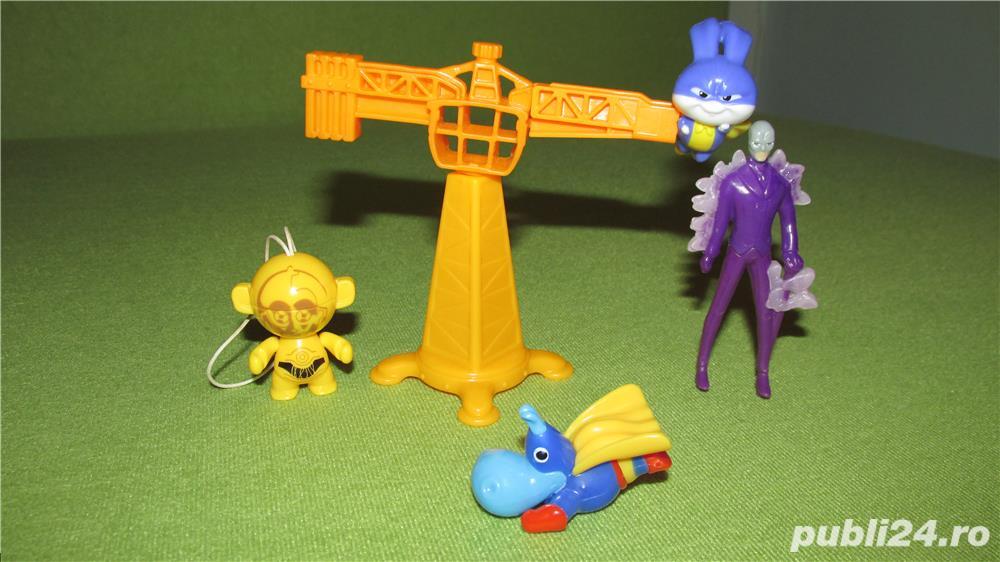 Lot KINDER-Super Iepurasul-Super Hipo-Robo StarWars-Omul cu masca-NOI!!