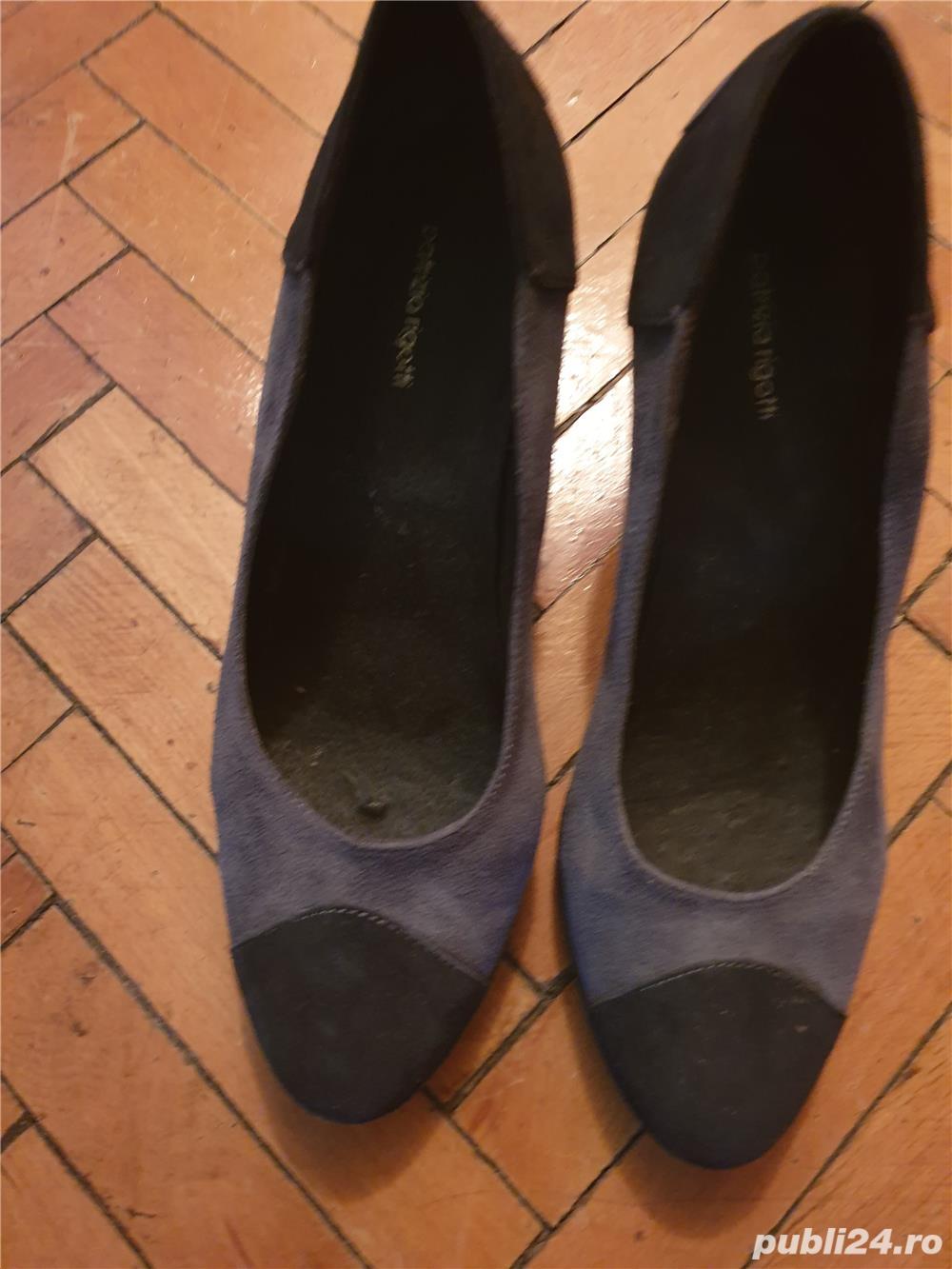Pantofi piele intoars