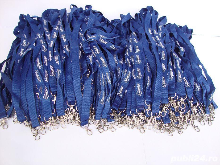 Lot de 320 de snururi pentru ecusoane