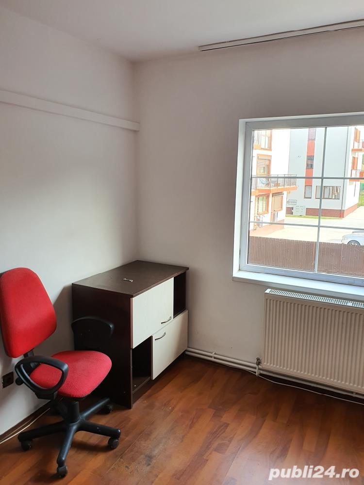 Inchiriez apartament una camere,Str.Mircea cel Batran cheltuieli incluse.