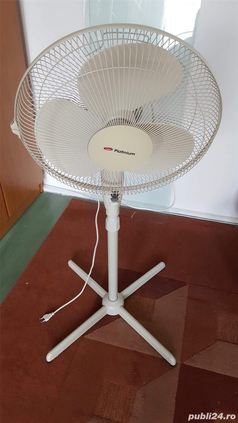 Ventilator electric cu picior in stare foarte buna