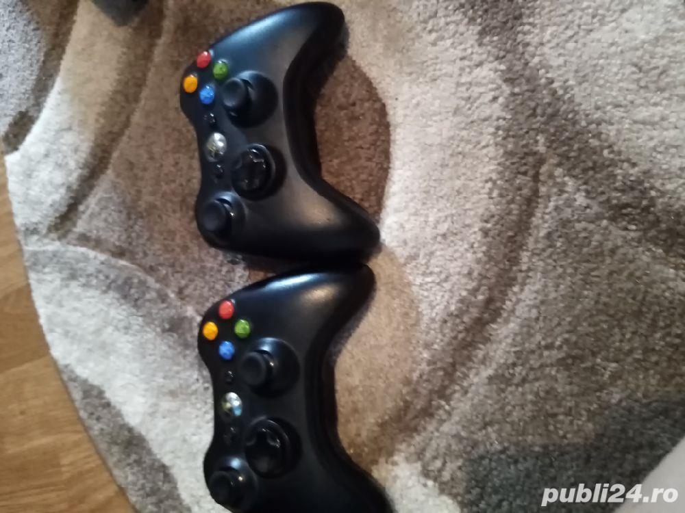 Vând Xbox 360 în stare foarte bună