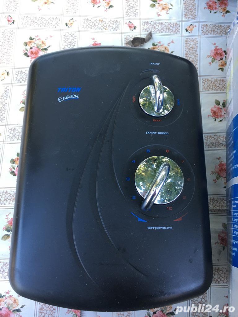 Dus electric . Instant de apa calda Triton 9,5Kw