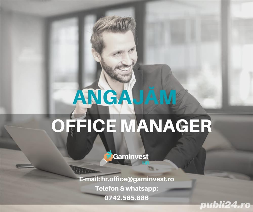 Angajam office manager