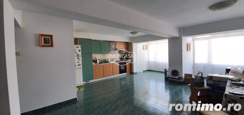 Apartament 3 camere ultracentral, cu lift si  cu mansarda locuibila