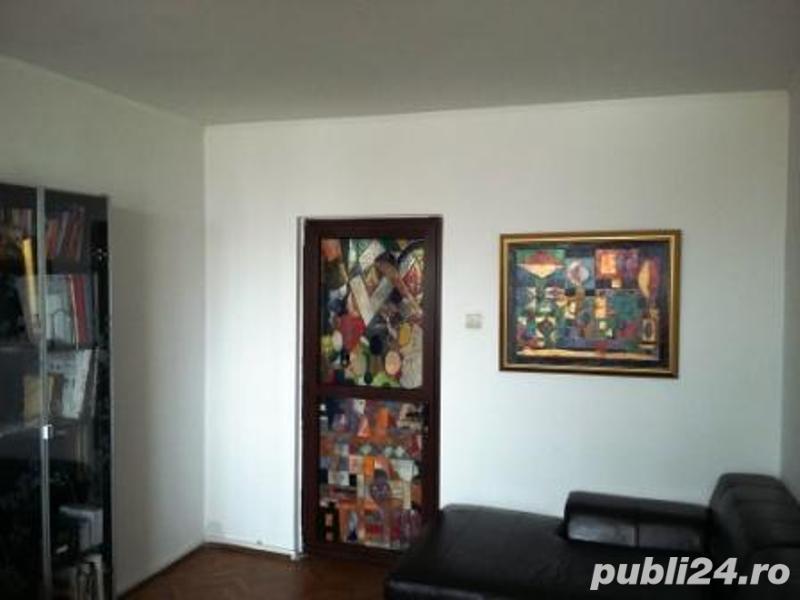 Apartament luminos , 3 camere,  renovat, si mobilat