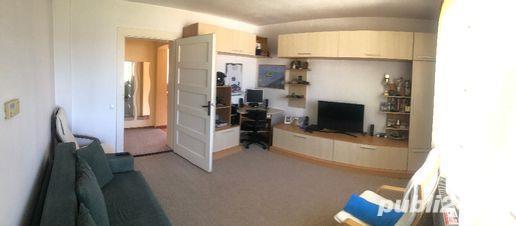 vand casa cu 2 camere si curte in Medias - cartier de case Vitrometan