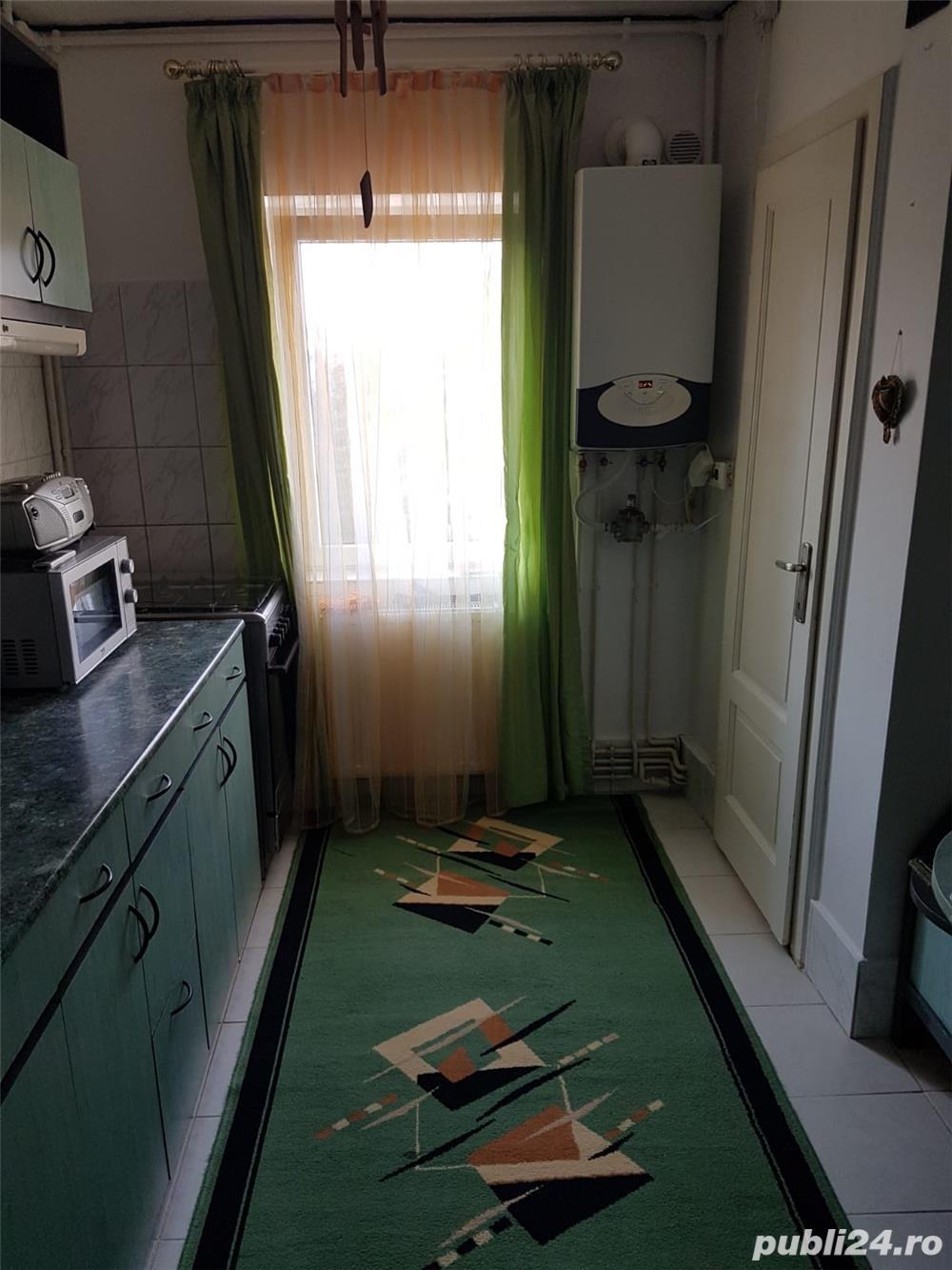 Inchiriez Apartament 3 Camere-Zorilor-Aproape de UMF;USAMV;Magazine