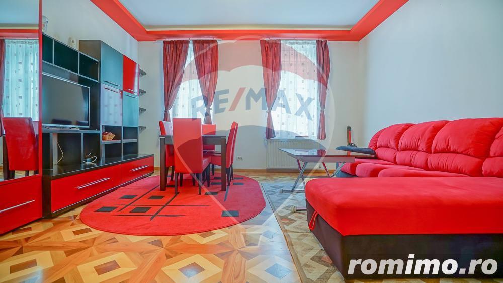 Apartament cu 2 camere pe două niveluri, de inchiriat, Centrul Istoric