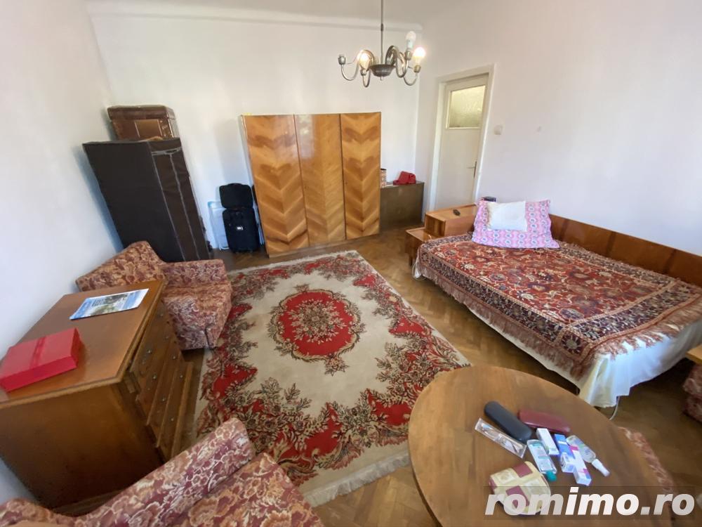 Apartament cu 2 camere, cladire deosebita, langa Parcul Central