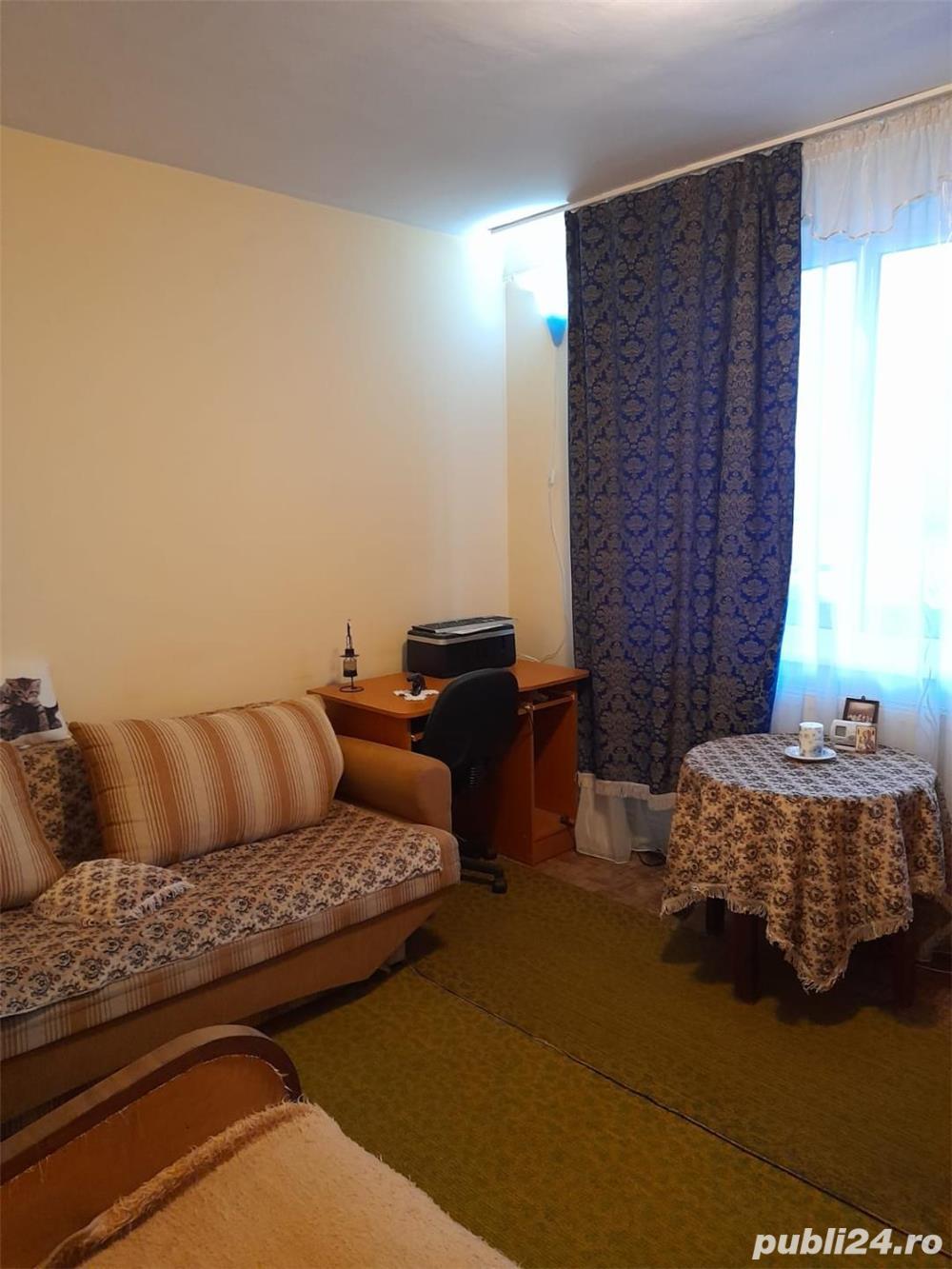 Vând apartament două camere decomandate et.10/10 Cornişa Bistriţa Bacău