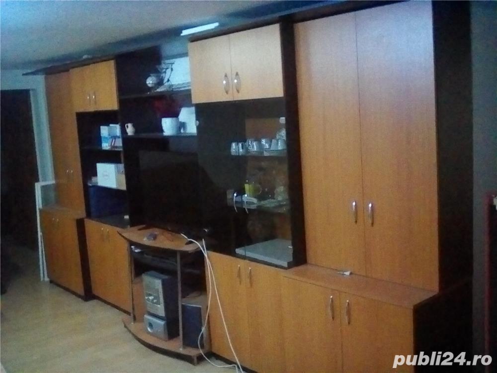 Caut colega, 1 camera din apartament 4 camere ,110 mp, studente/cupluri, c. torontalului, 140 eur