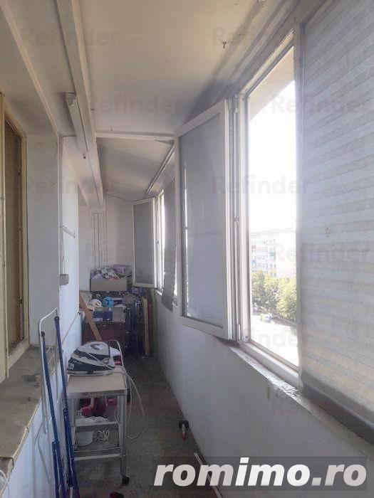 Vanzare apartament 3 camere -Calea Grivita MOL