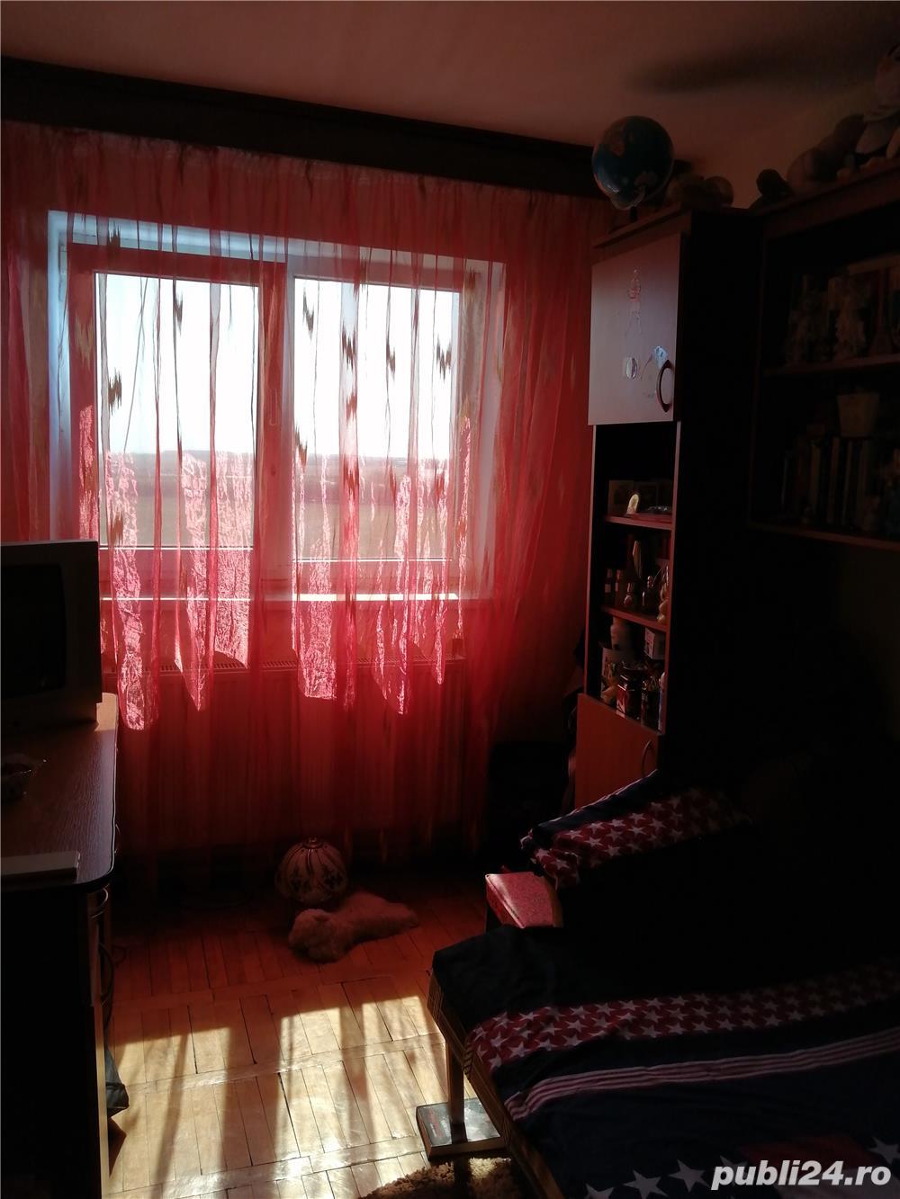 Vând apartament 3 camere, Zona HCC, CARACAL