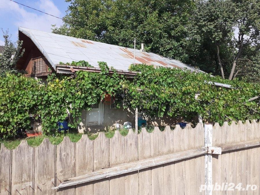 Casa bartraneasca cu teren 1000mp in Chicerea