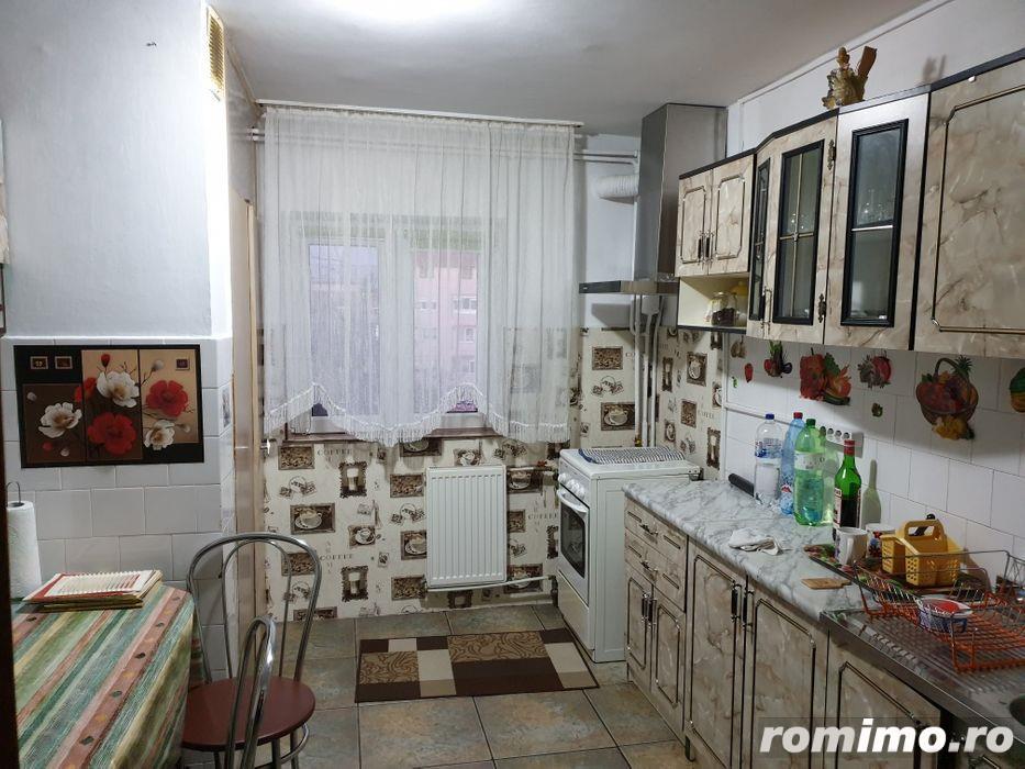 Apartament 3 camere decomandat Aradului etaj 4 centrala proprie