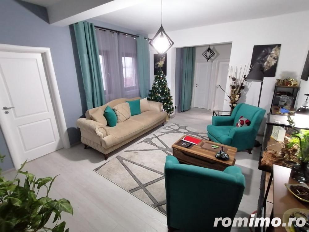 Apartament 3 camere, zona centrala !