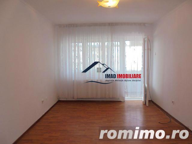 Spatios! Vanzare apartament semidecomandat cu 2 camere in Targoviste micro 6