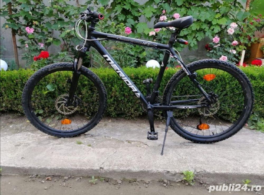 Bicicleta MTB pentru adulti