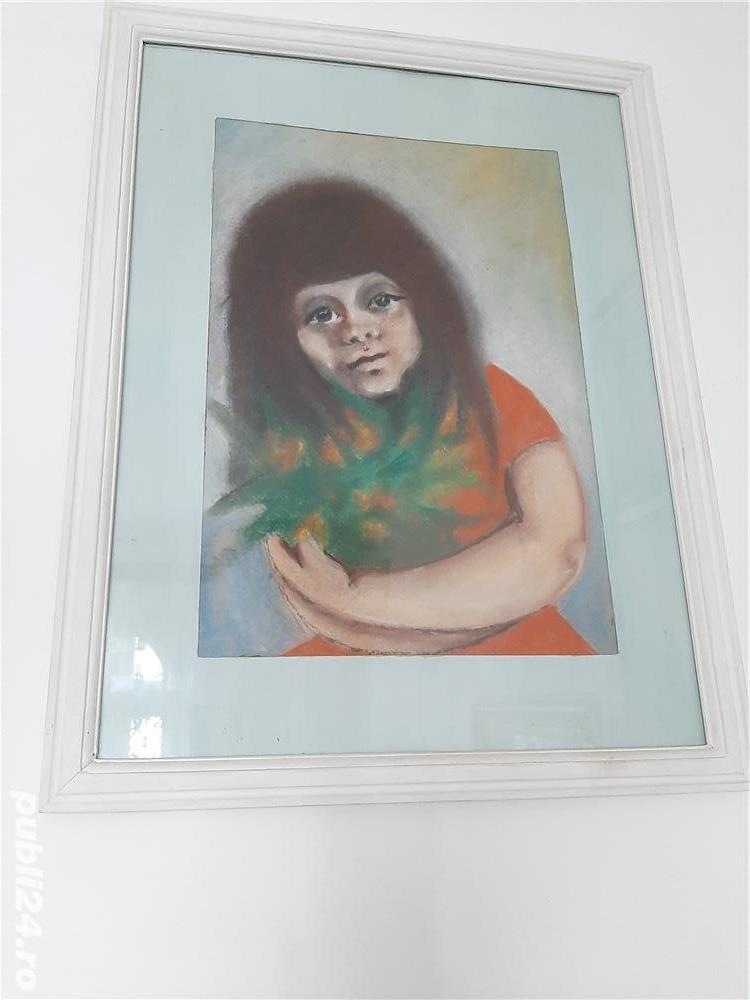 """Tablou in ceracolor anii '70 """"Fata cu flori"""" dimensiunea 45x32 cm."""