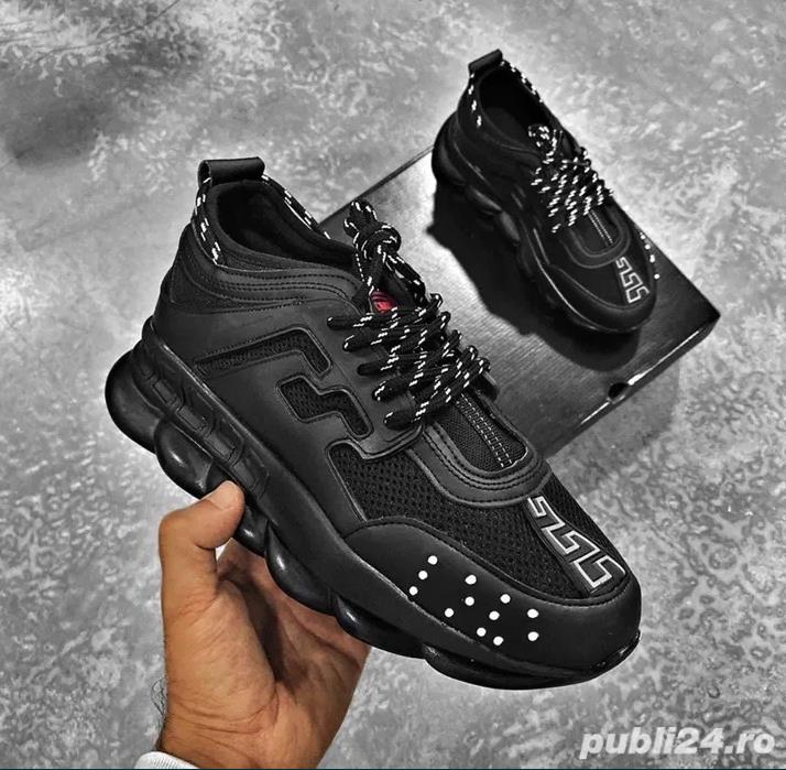 Adiadasi/Sneakers Versace Chain Reaction Negrii Complet