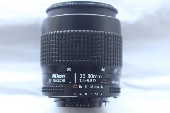 Nikon  NIkkor 35-80mm 4-5,6 D