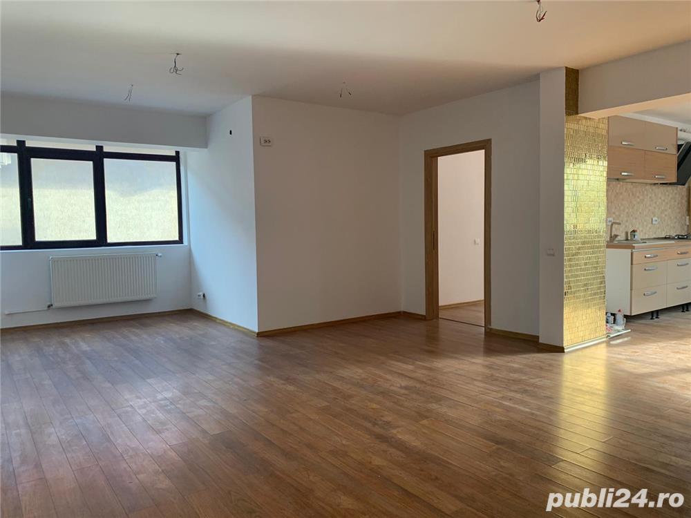 3 camere cu terasa, 3 bai, 2 locuri de parcare, 2 min metrou D. Leonida