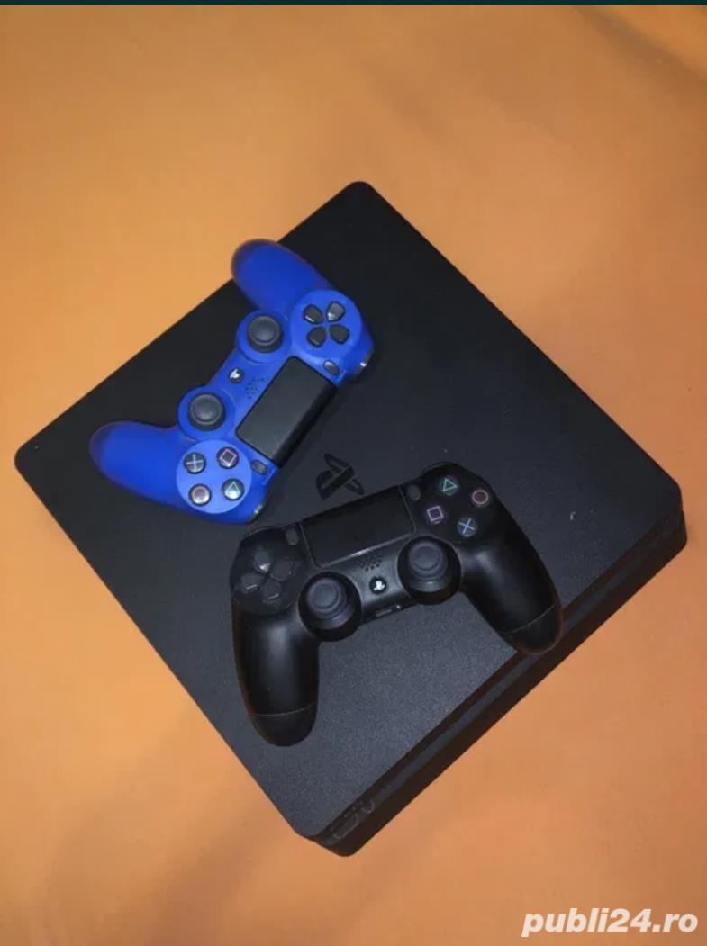 PlayStation 4 cu 10 jocuri si 2 manete