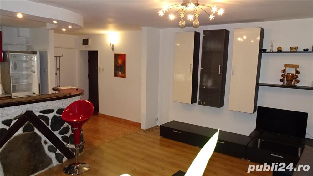Vand Apartament 2 camere zona centrala
