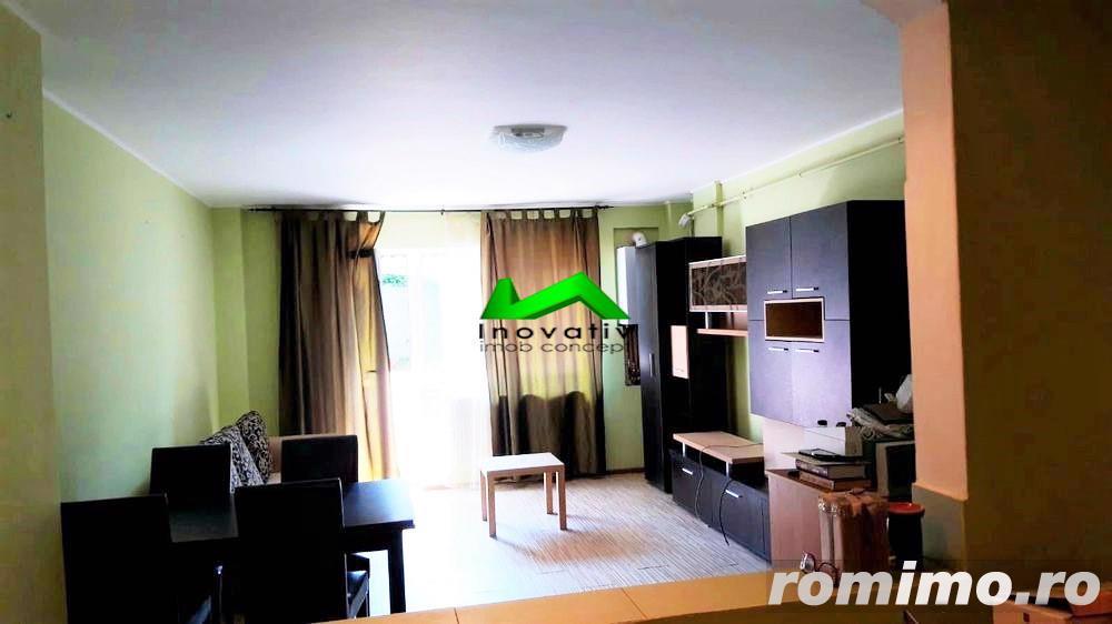 Apartament 2 camere,decomandat,balcon,etaj 2,Strand