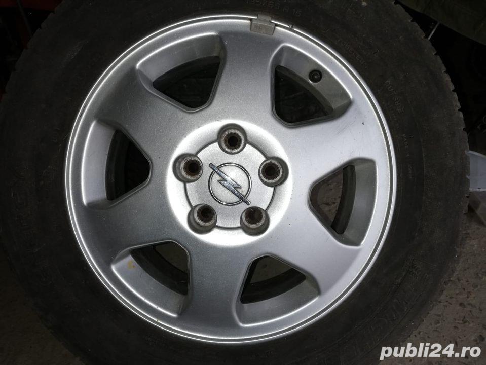 Vând 4 jenti aliaj originale de Opel!