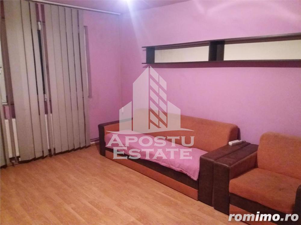 Apartament 2 camere, decomandat, cu centrala proprie, in zona Aradului