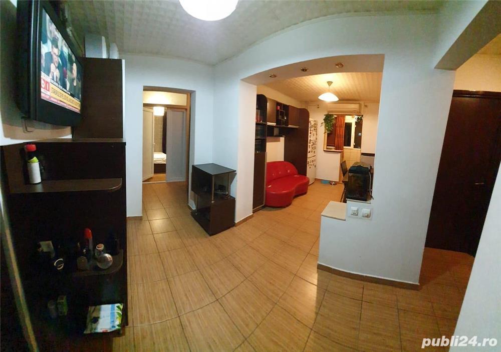 Vand apartament 3 camere transformat in 4 camere. Spatios,82mp,decomandat, renovat si mobilat recent