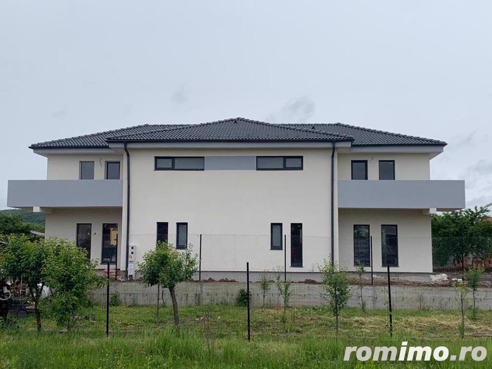Casă / Duplex cu 4 camere de vânzare | Selimbar